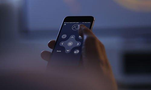 Système de pilotage Home Cinema smartphone télécommande